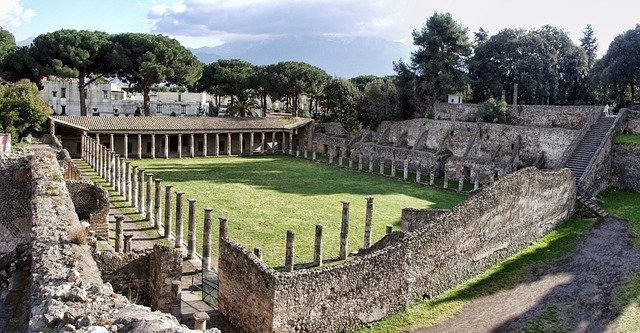 pompeii-2375124_640